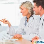 SEO medical consultant explaining SEO strategy